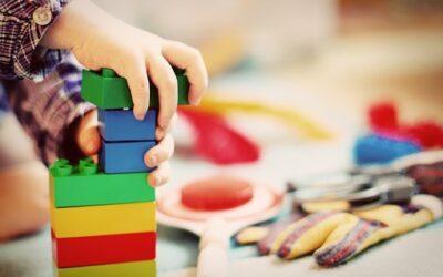 Multifunktionelt legetøj til de mindste